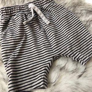Old Navy Harem baby boys shorts 18-24 Months
